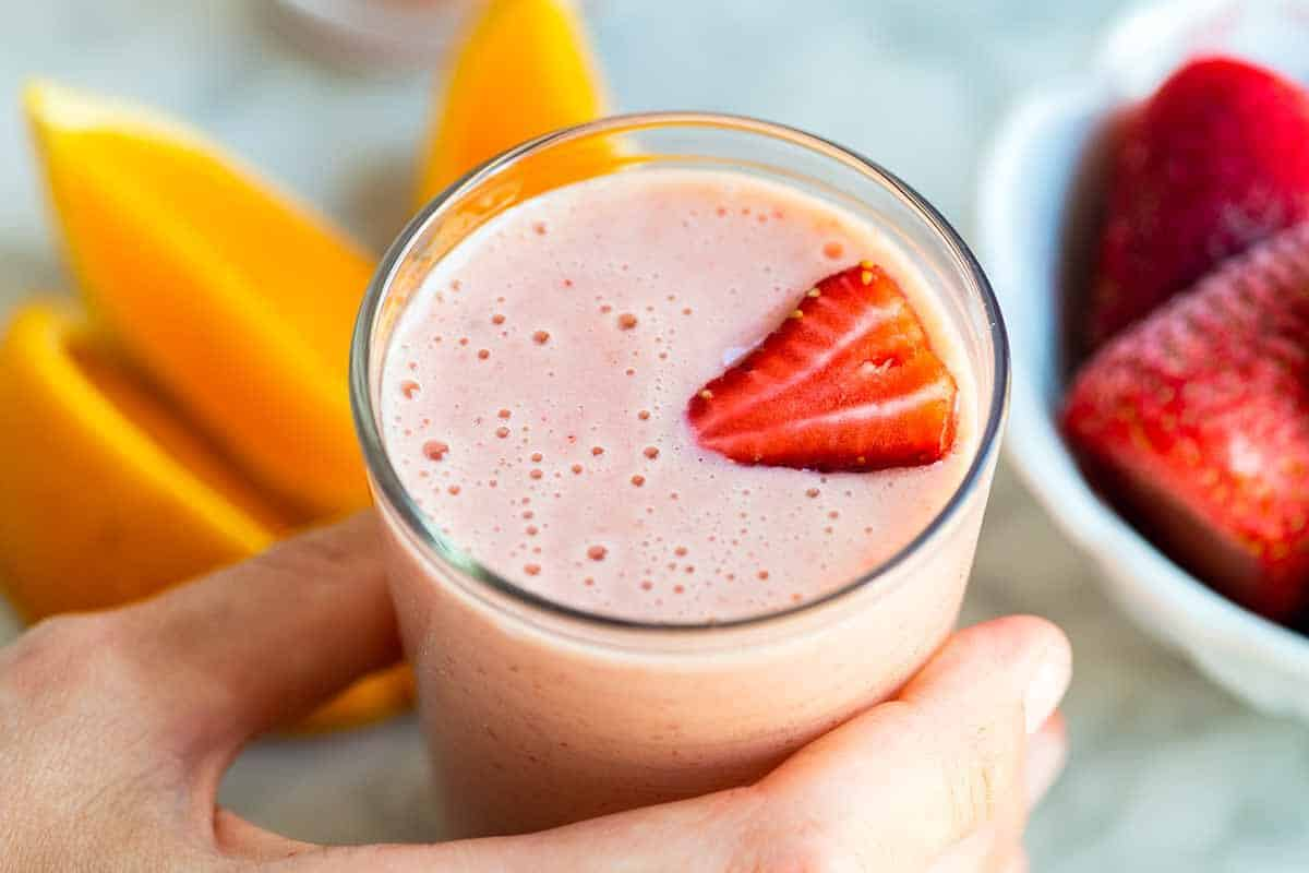 Easy 5-Minute Strawberry Smoothie